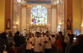 Santa Missa Pontifical em honra de São João Maria Vianney