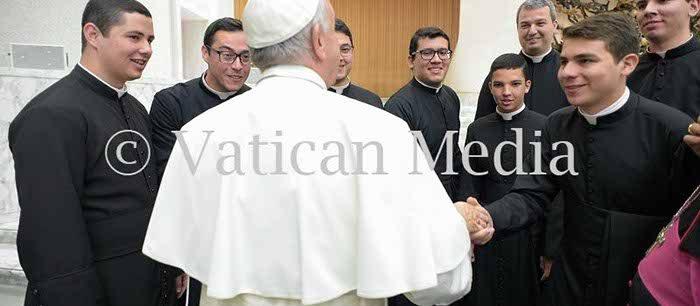 Saudação do Papa Francisco aos seminaristas da Administração Apostólica