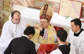 Recepção de Batina, Tonsura Clerical e Ordens Menores